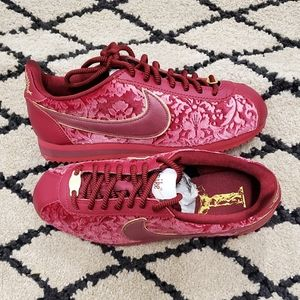 Nike Classic Cortez SE Red Crush Metallic